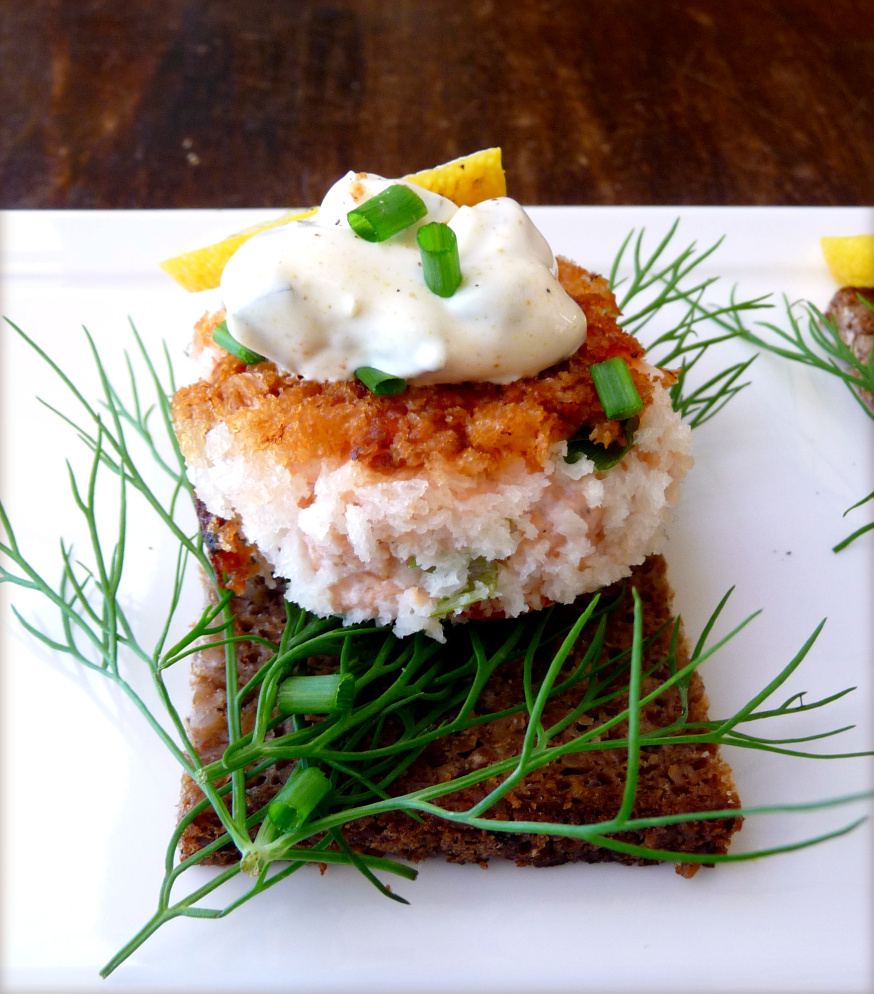 Salmon Cakes: Smorrebrod Fiske