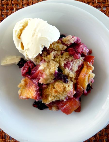 Nectarine, Raspberry, Blueberry Crumble tf