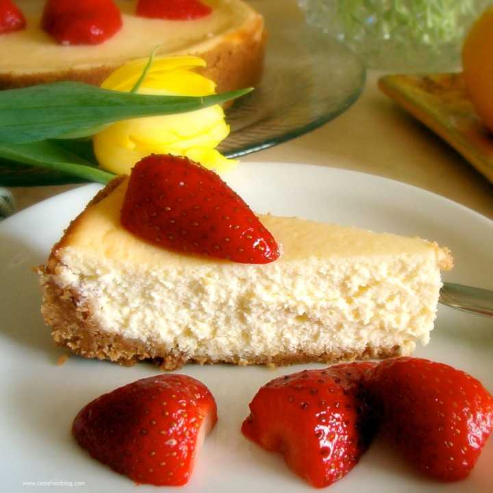 Loving Lemons: Lemon Mascarpone Cheesecake with Strawberries