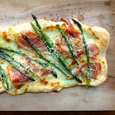 Asparagus Prosciutto Pizza 1