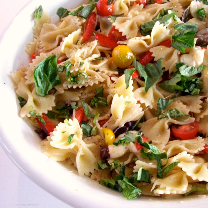Pasta Provençal with Basil, Sweet Pepper, Tomatoes and Olives