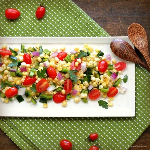 Summer Corn and Tomato Salad | TasteFood