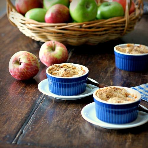 Apple Cranberry Crisp | TasteFood