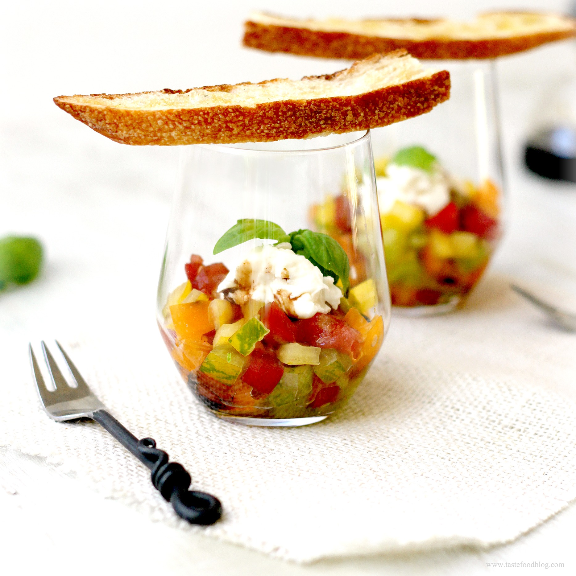 tuna tartare tuna tartare tomato avocado and basil tuna tartare in a ...