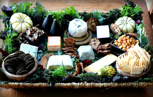 Gray Cake Platter >> Tips and Treats for a Holiday Cheese Basket | TasteFood