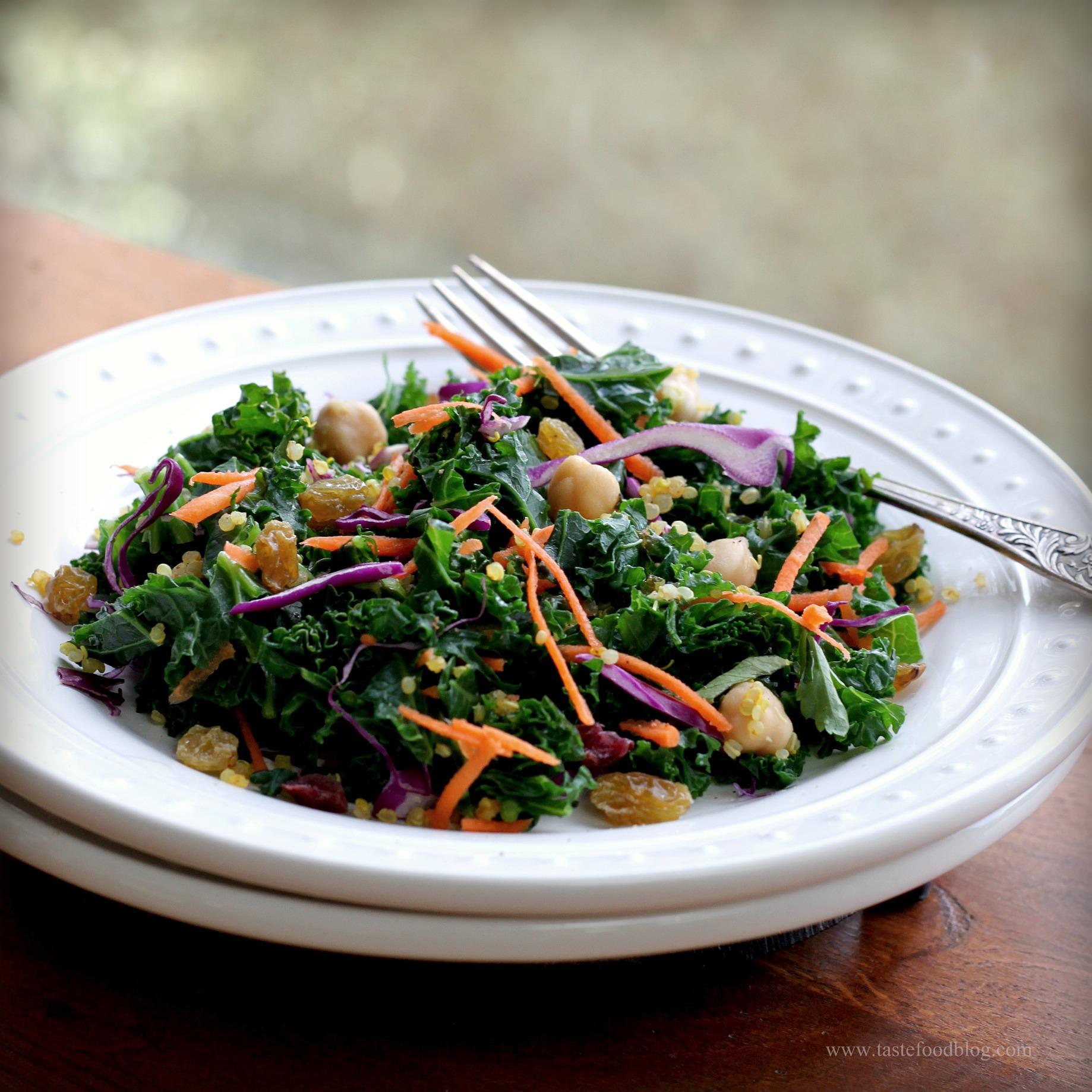 Kale, Quinoa, Carrots, Red Cabbage, Chickpeas, Raisins, Lemon