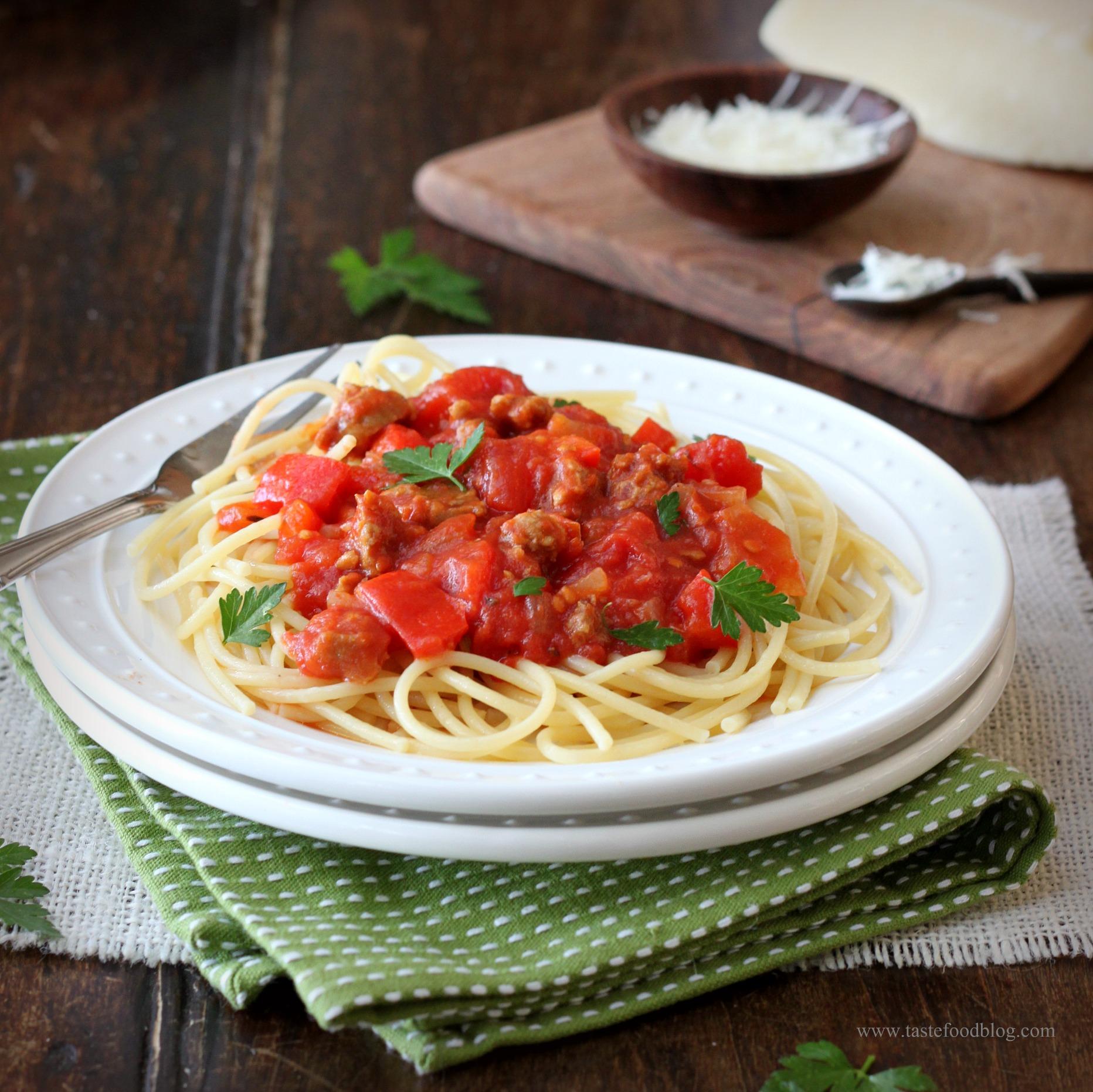 Spaghetti with Italian Sausage Ragout | TasteFood