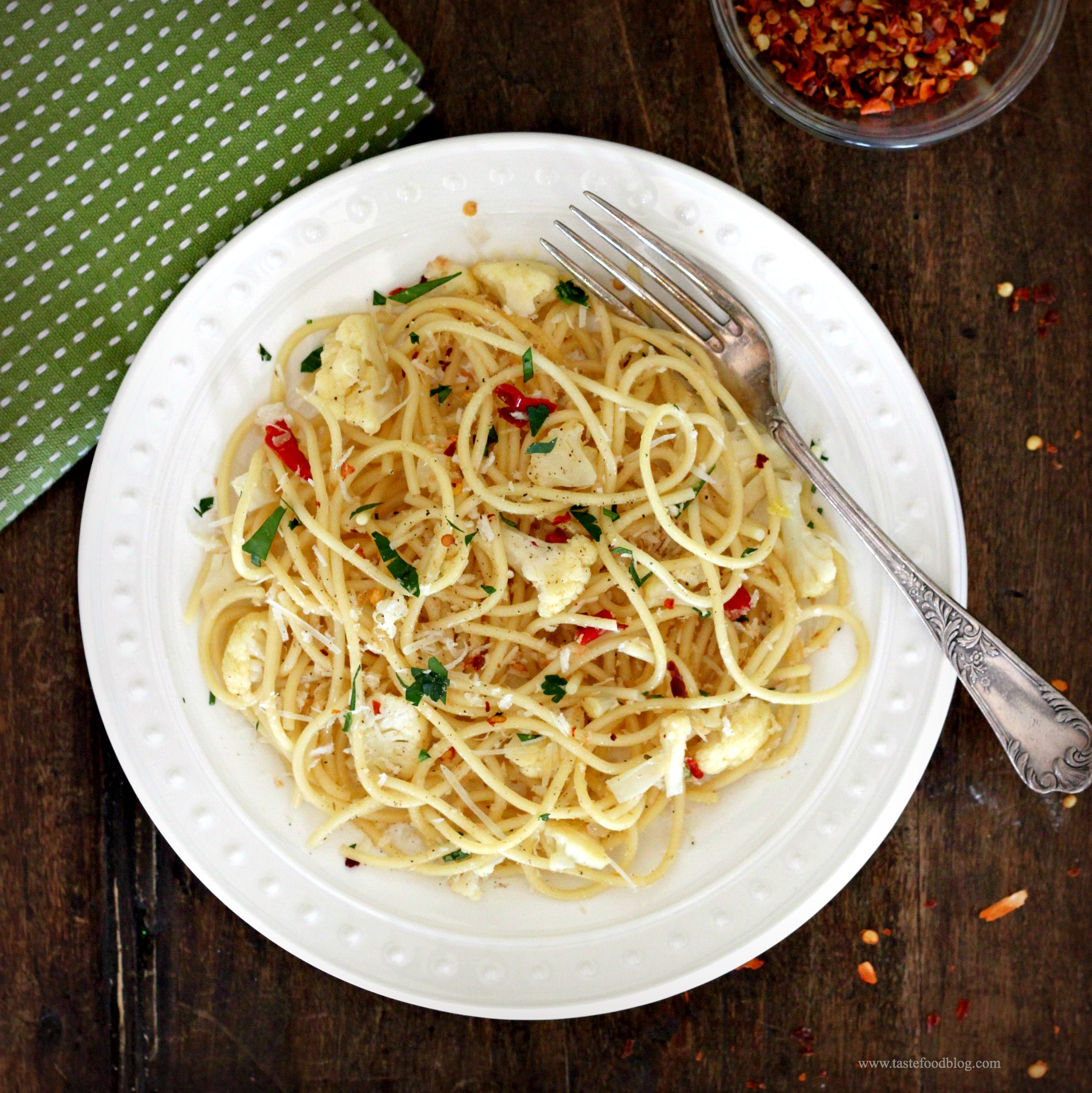 Spaghetti with Cauliflower, Chile and Parsley Gremolata | TasteFood