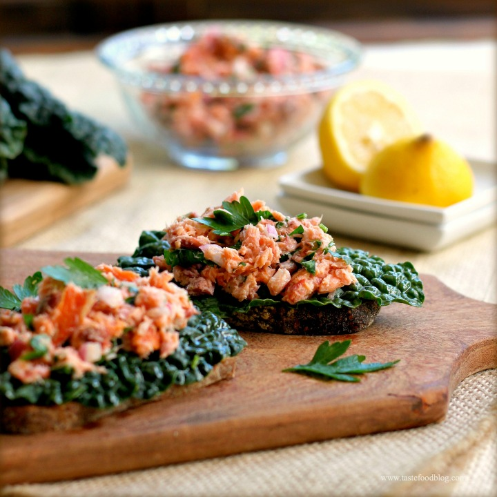 Healthy Holiday Appetizers: Warm Smoked Salmon and Kale Crostini