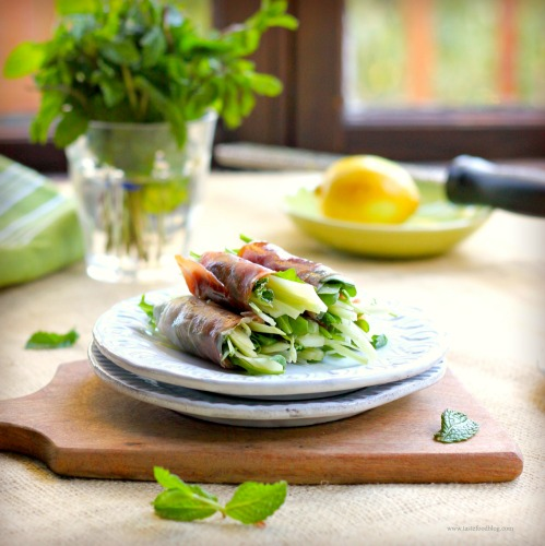 Prosciutto Rolls With Arugula, Fennel And Mint