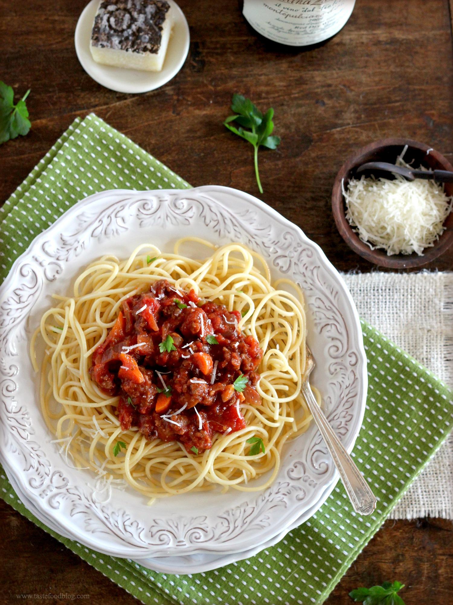 Spaghetti Bolognese | TasteFood