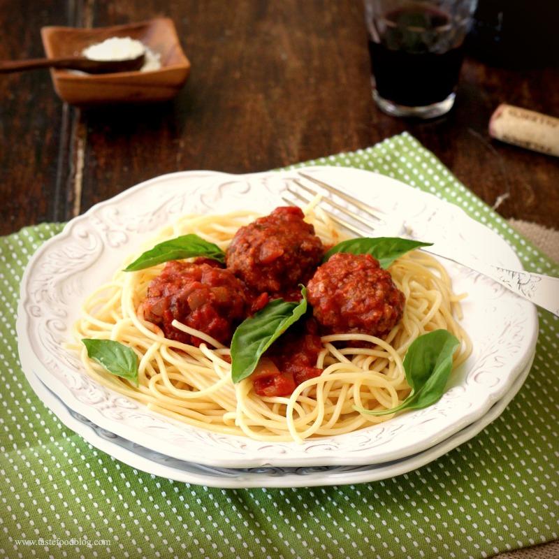 meatballs spaghetti tastefood