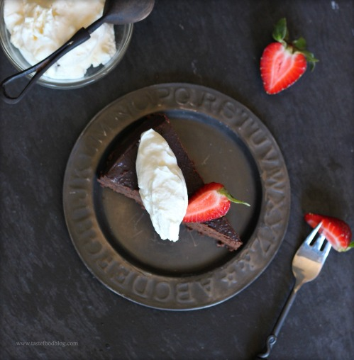 flourless chocolate cake tastefood