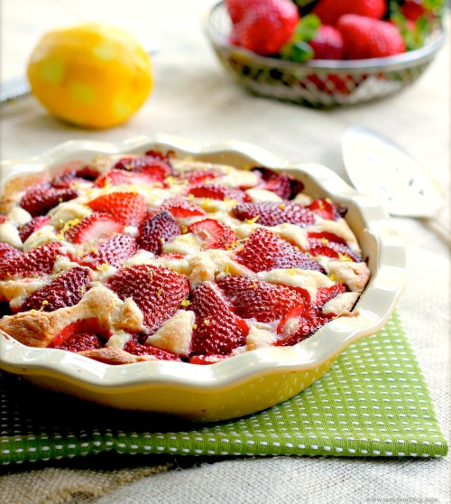 strawberry cake  tastefood