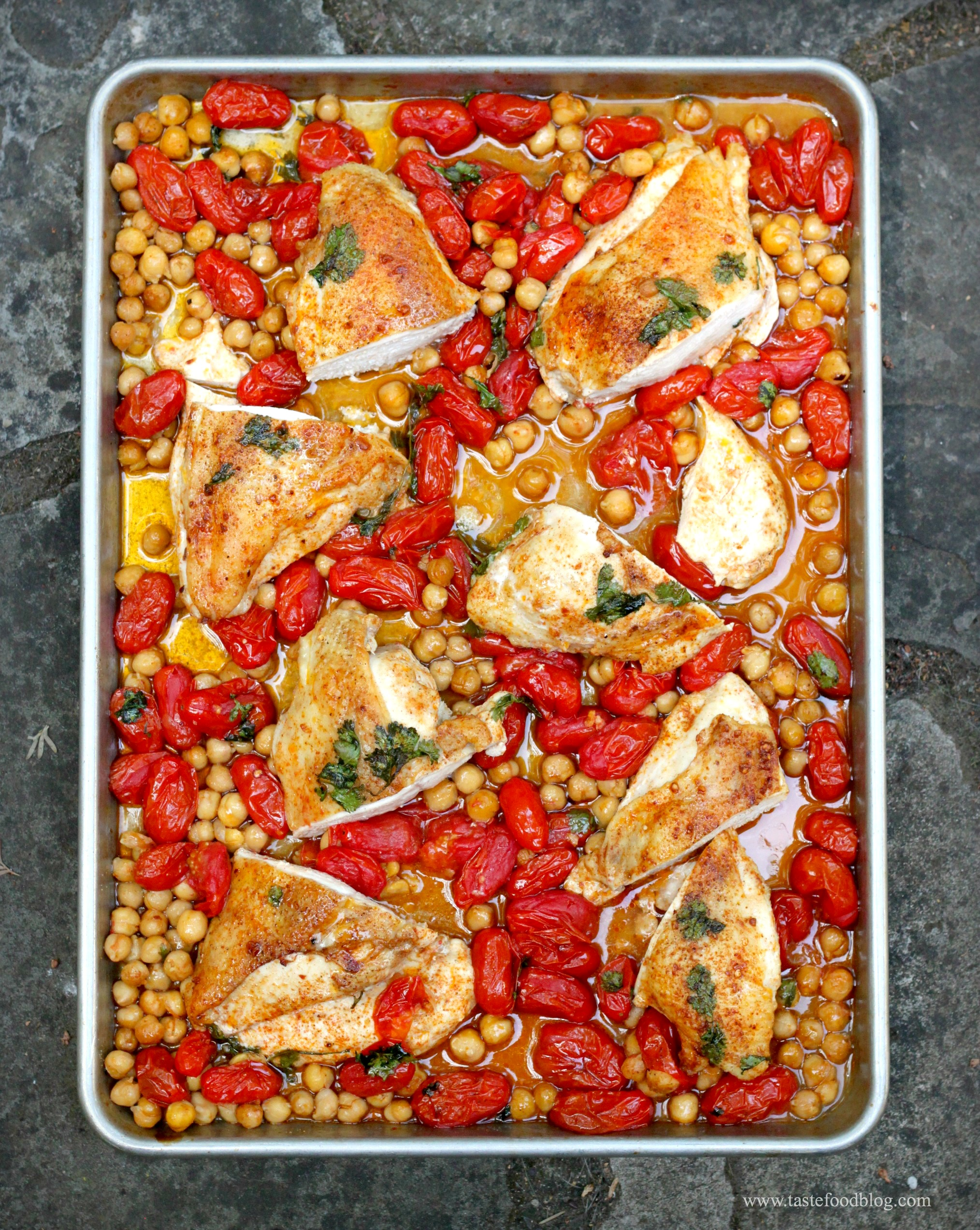 Smoky Roasted Chicken Breasts with Tomatoes and Chickpeas | TasteFood