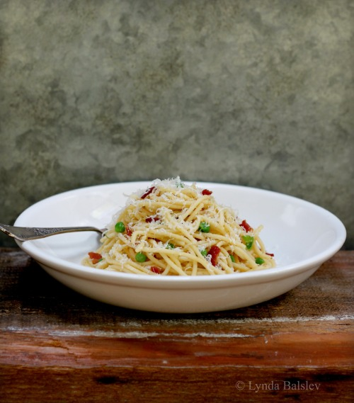 What's for dinner: Spaghetti alla Carbonara with Sweet Peas